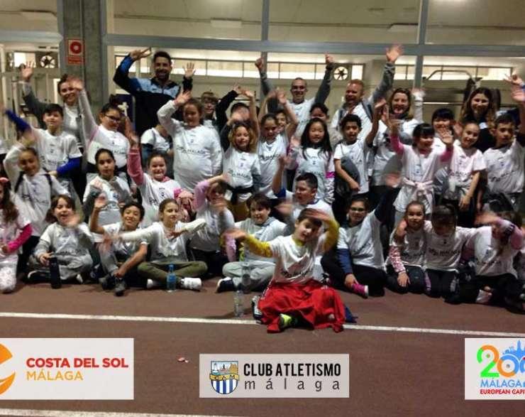 El colegio Simón Bolivar visita al Club Atletismo Málaga